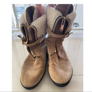 Burberry winter booties Sz 10 41